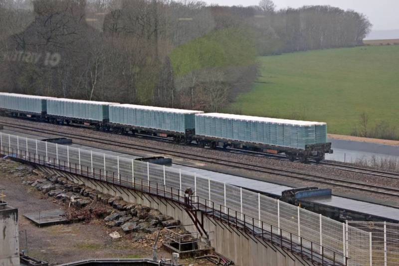 1-Train_fret-compressed