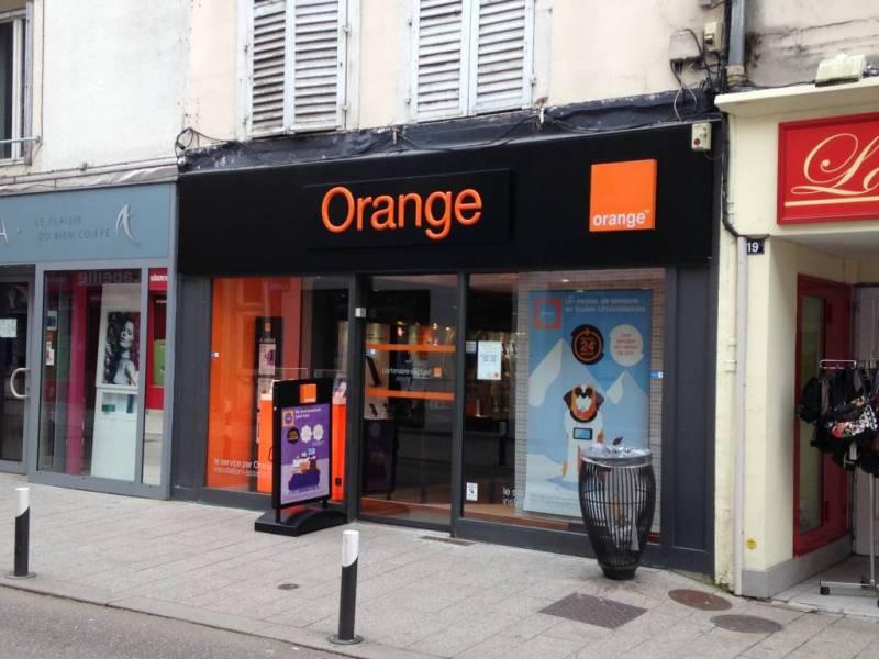 (L'agence Orange située rue de France à Neufchâteau)