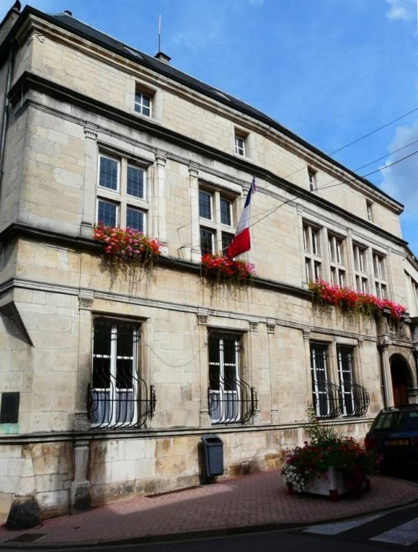 mairie_neufchateau