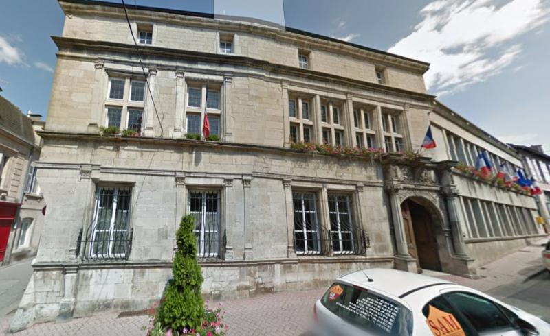mairie_neufchateau_streetview