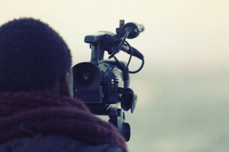 videographer-698667_960_720
