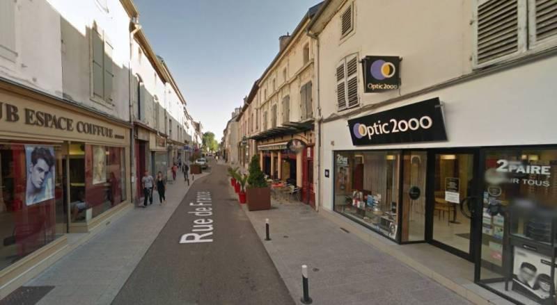 La rue sera piétonne plusieurs fois pendant l'été. (Photo : Google Maps)