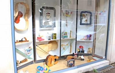 vitrines-mirecourt (1)-min