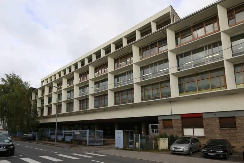 Saint-Dié-des-Vosges_-_Usine_Le_Corbusier_20131007-01