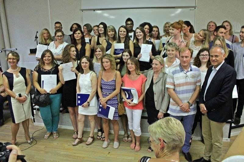 Nouveaux étudiants infirmiers diplômés.
