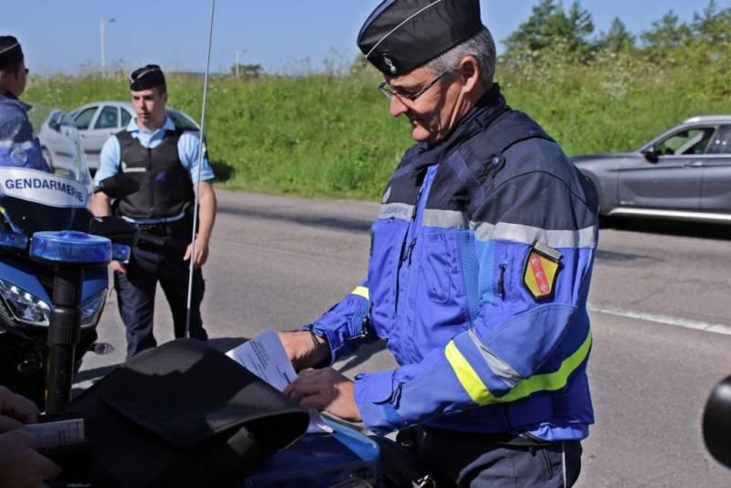 Gendarmes-Contrex (3)