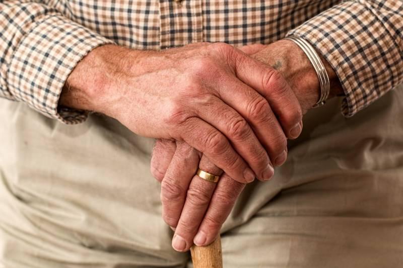 hands-981400_960_720