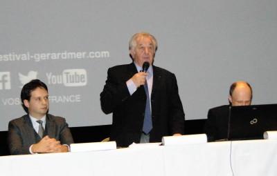 Pierre Sachot en compagnie du sous-préfet Laurent Bon brun et d'Anthony Humbertclaude