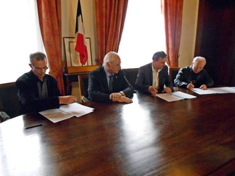 signature-convention-Mirecourt