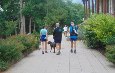 Les promeneurs partent et reviennent à l'Espace LAC où ils peuvent aussi se restaurer.