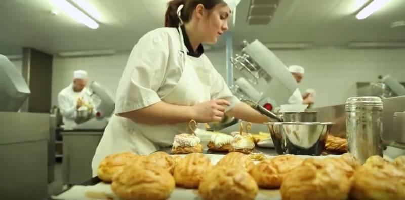 Morgane Gry apprentie en pâtisserie (photographie Chambre de métiers et de l'artisanat des Vosges)