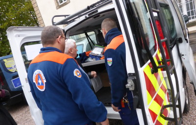 Le préfet des Vosges a rencontré les bénévoles dans les locaux de l'ADPC, quartier de la Magdeleine à Epinal