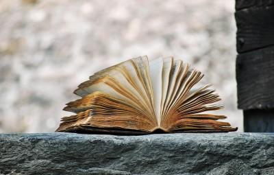 book-2341083_960_720