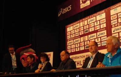 La table des officiels lors de la conférence de presse avec Philippe Propage, Nadine Bassière, Michel Huertas, Lionel Thiriat et Michel Lavest