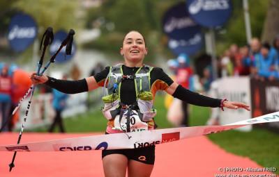 Sarah Vieuille lors de sa victoire au championnat de France de trail. (Crédit photographique Nicolas Fried)