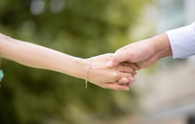 hand-to-hand-2064491_960_720