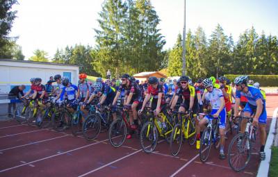 Au total, ils étaient quelques 140 coureurs au départ de cette 3e édition vittelloise de cyclo-cross régional.