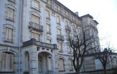 L'hôtel des Thermes est un parfait exemple de friche hôtelière.