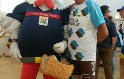 Défi pompier réussi pour Daniel Gornet, qui a rallié Bourg-en-Bresse à vélo au terme de 970 km.