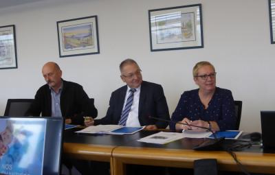 (Christian Lamoureux, et Michel Anxionnat, vice-président du conseil de la CPAM des Vosges et Claudine Bernard Présidente du conseil de la CPAM des Vosges).