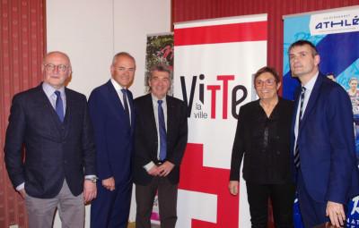 Luc Gerecke, le député Jean-Jacques Gaultier, André Giraud, la conseillère régionale Anne-Marie Adam, Franck Perry (de g. à. dr.)