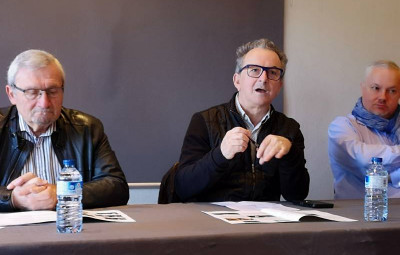 Le programmateur des Rencontres Denis Blum en compagnie du président de l'Office de Tourisme Hervé Badonnel et de Thierry Tabaraud, président du Syndicat des directeurs de salles de l'Est.