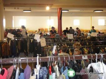 Bourse aux vêtements (association familiale)