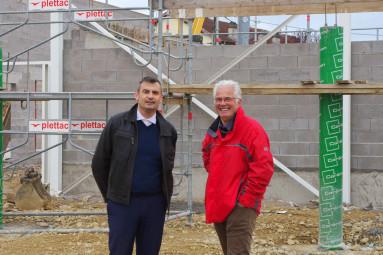 Le maire Franck Perry et le directeur des services technique, Alain Martelin.