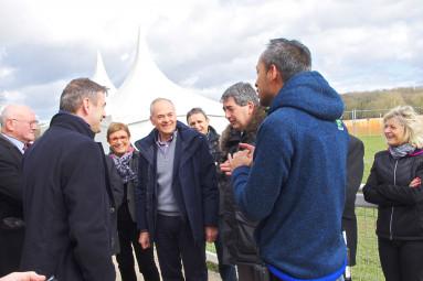 Jean-Jacques Gaultier (au centre), lors des championnats de France de cross à Vittel.