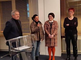 Le président de la CCI des Vosges, Gérard Claudel, a remis le 4e prix aux représentantes de l'Union des Commerçants de Vittel. (Photo CCI des Vosges)