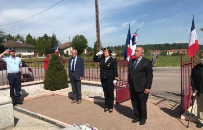 En Déodatie, la sous-préfète Sylvie Siffermann a présidé la commémoration de la victoire du 8 mai 1945 à Saint-Michel-sur-Meurthe. (Crédits photographiques Préfecture des Vosges)