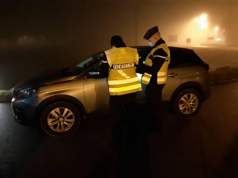 gendarmes controles couvre feu