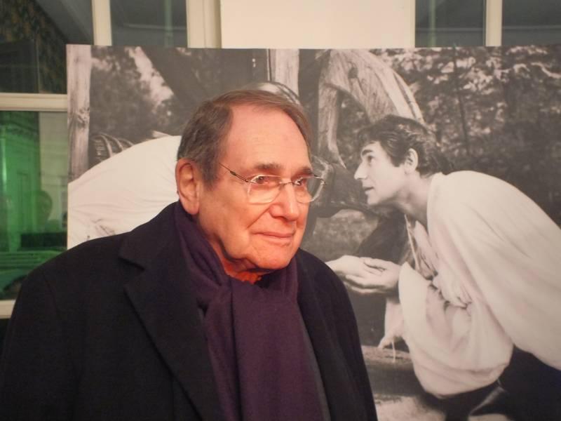 Robert Hossein est décédé le 30 décembre au lendemain de son anniversaire où il a fêté ses 93 ans.